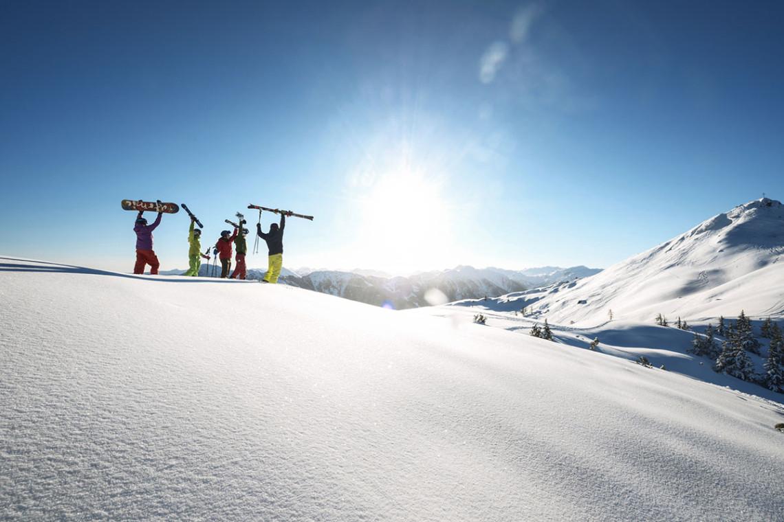 eximtours ski amade. Black Bedroom Furniture Sets. Home Design Ideas